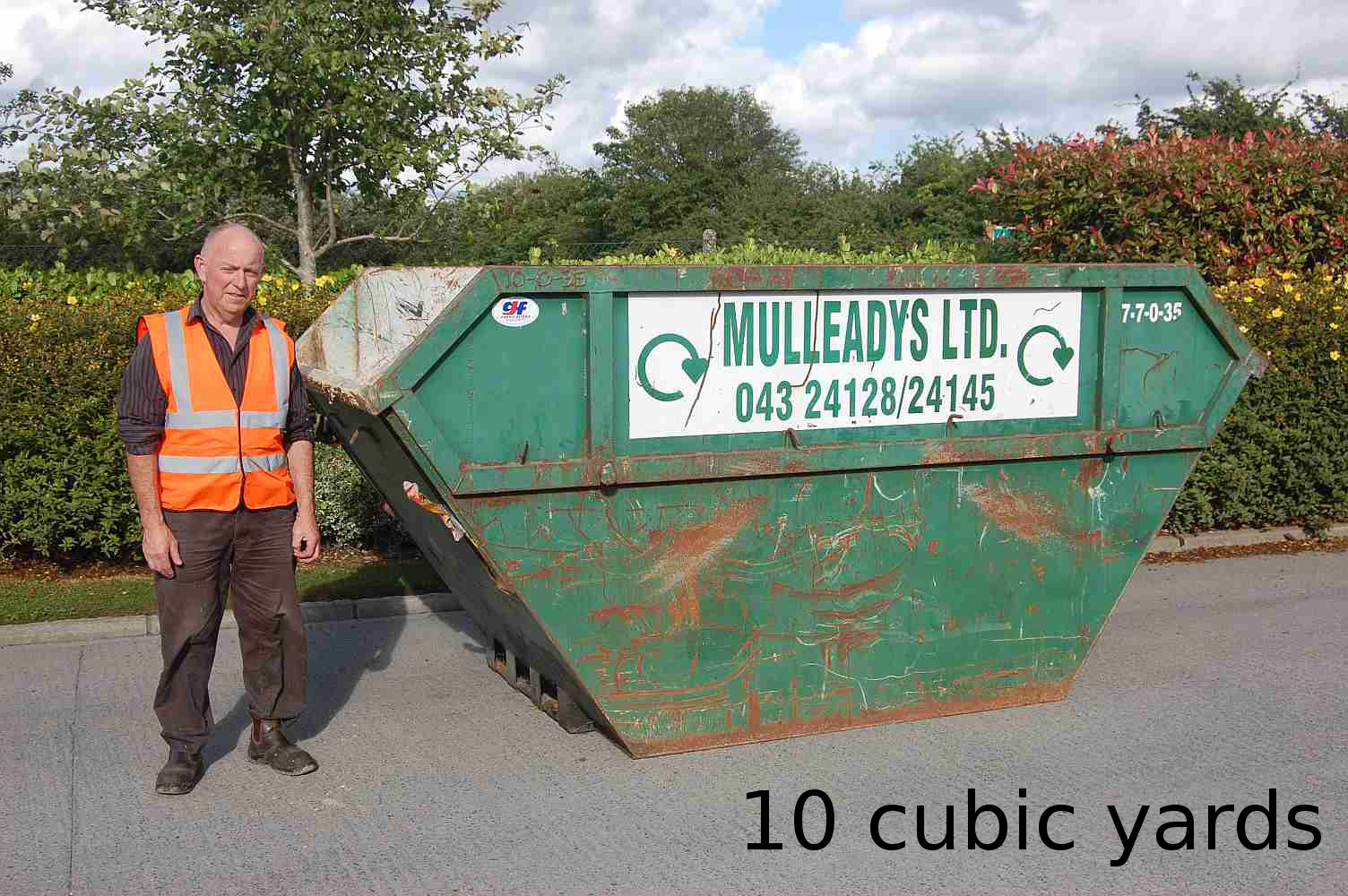 Holds approx. 100 refuse sacks. Open or closed top skip, ideal for separation of wood/timber, metal, general canteen type wastes, household / garden clearance