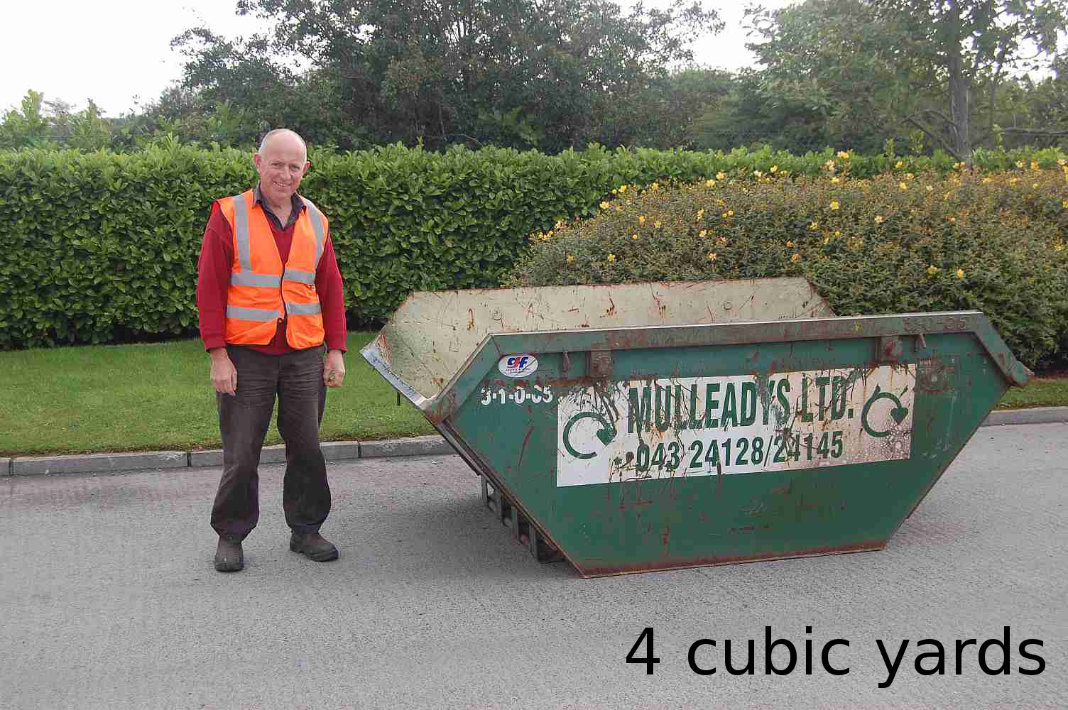 Holds approx. 40 refuse sacks. For house / garden clearance, small scale construction works etc