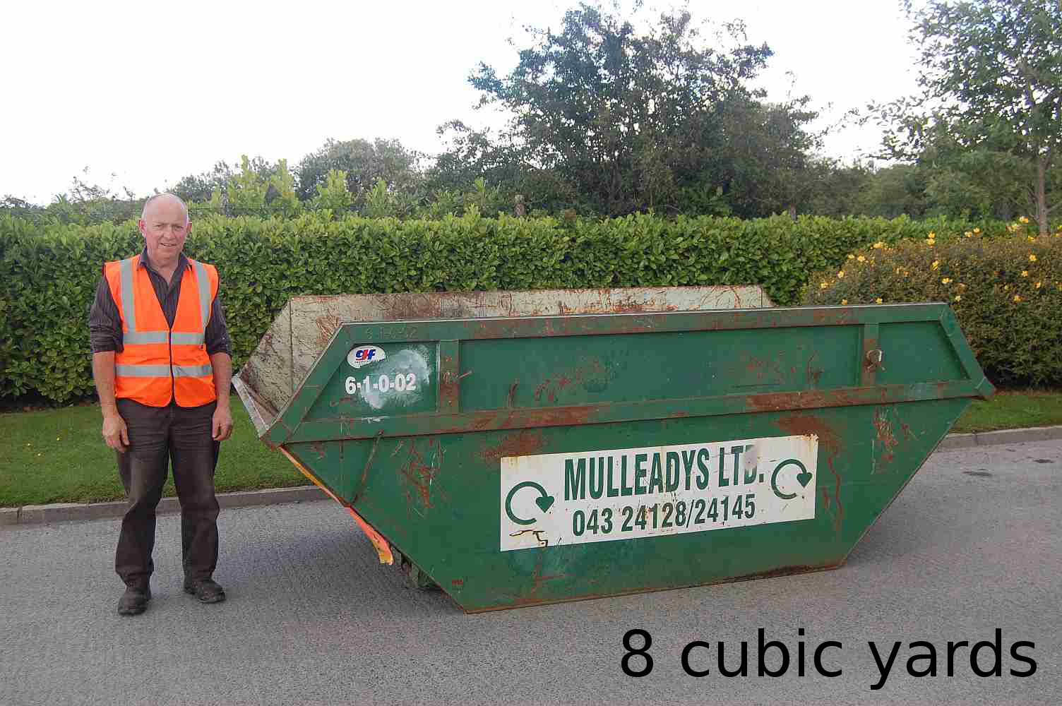 Holds approx. 85 refuse sacks. For small shops, pubs restaurants and home/commercial construction works etc. (Ideal Builders Skip)